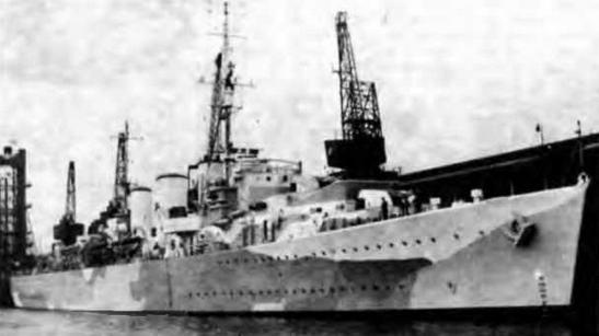 """Крейсера """"Эбдиэл"""" (2 фото вверху) и """"Уэлшмэн"""". 1943 г."""
