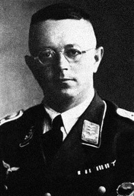 Командир 8-й парашютной дивизии Вальтер Ваден