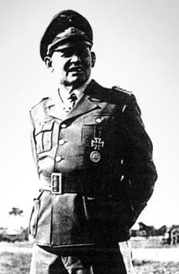 Команир 2-й парашютной дивизии Герман Бернгард Рамке