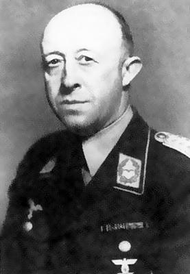 Командир 9-й авиаполевой дивизии генерал-майор Ганс Эрдман