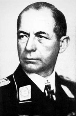 Командующий 10-м воздушным флотом генерал авиации Стефан Фрёлих