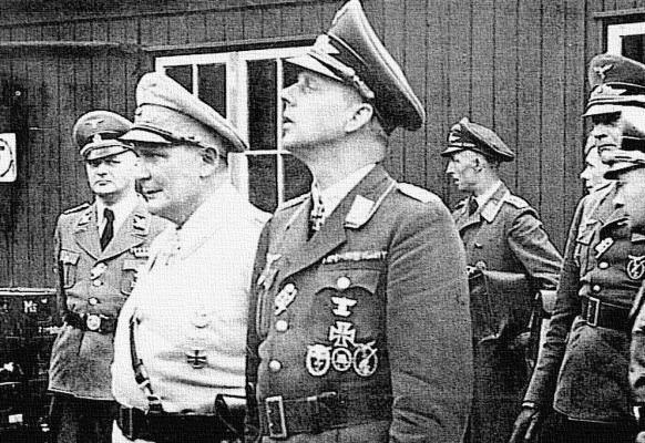 Командир 1-й зенитной бригады Вальтер фон Хиппель и Герман Геринг