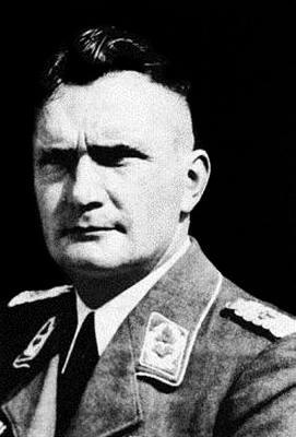 Командир 15-й зенитной бригады Оскар Крэмер