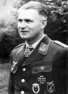 Кавалер Рыцарского креста, командир 1-й баталеи 2-го зенитного полка капитан Вальтер Буш