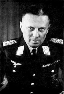 Командир 3-й зенитной дивизии Теодор Шписс
