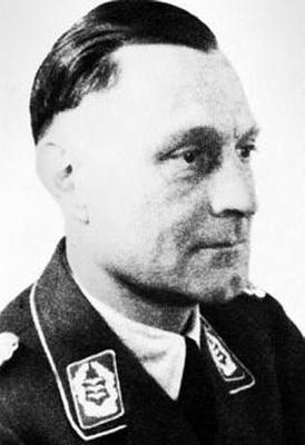 Командир 9-й зенитной дивизии Адольф Пирман
