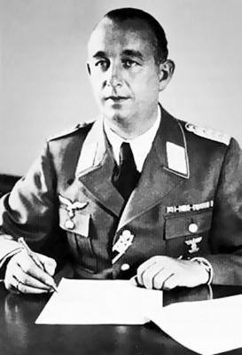 Командир 15-й зенитной дивизии Теодор Херберт