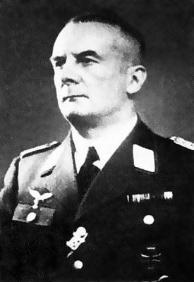Начальник 2-го командования ПВО генерал-майор Вальтер Фейерабенд