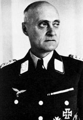 Глава 10-го командования ПВО Йохан Зейферт