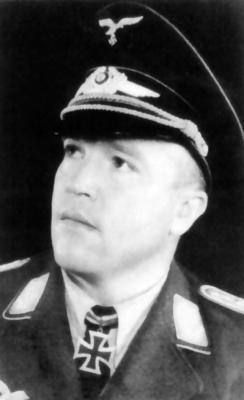 Кавалер Рыцарского креста, командир 3-го батальона 30-го егерского полка ВВС Эмиль Эйтель