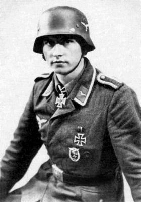 Кавалер Рыцарского креста солдат Вильгельм Беккер