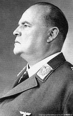 Командующий 3-м воздушным флотом генерал-фельдмаршал Гуго Шперле