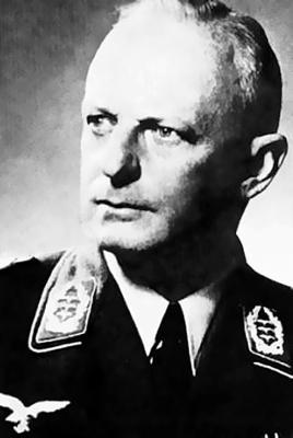 Командир 3-й парашютной дивизии полковник Вальтер Барентин