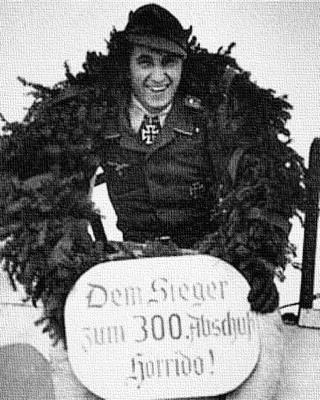 Вальтер Новотны после своей 300-й победы