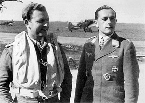 Эксперты 54-й истребительной эскадры Вальтер Оесау и Зигфрид Шнелл