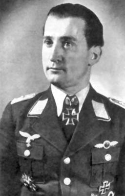 Командир 25-го испытательного командования Гейнц Наке