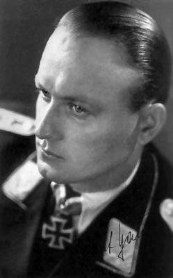 Командир 2-й группы 101-й тяжелой истребительной эскадры Гельмут Хаугк