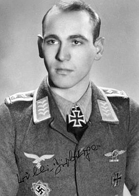 Кавалер Рыцарского креста, летчик штабной эскадры 6-й бомбардировочной эскадры обер-фельдфебель Вилли Дипбергер