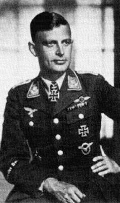 Командир 2-й группы 27-й бомбардировочной эскадры Карл Август Петерсен