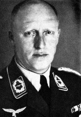 Командир 53-й бомбардировочной эскадры Эрих Шталь