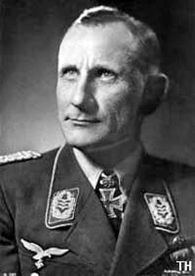 Командир 2-й эскадры пикирующих бомбардировщиков Оскар Динорт