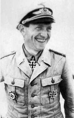 Кавалер Рыцарского креста, командир 102-й эскадры пикирующих бомбардировщиков Бернгард Хаместер