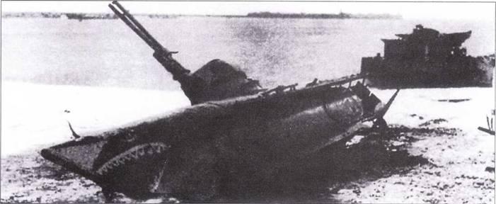 Лодка типа Biber из K-Flottille 261, выброшенная на пляж (29 августа 1944г.).