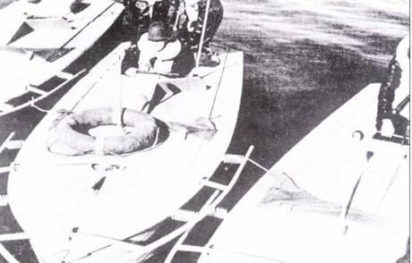Ladungsschnellboot (Linse). Первые из 30 серийных катерок изготовили в марте 1943г., они поступили ни вооружение 4.s.Kj}i.Kp. Kjg.Abt.Brdbg. Впервые были опробованы в боевой обстановке в апреле 1944г. против кораблей и судов союзников в районе плацдарма Анцио-Неттуно. В открытом море использование таких катеров оказалось не эффективным. В дальнейшем большинство катеров и экипажей передали в Kommando der Kleinkampfverbande крпгсмарипе.