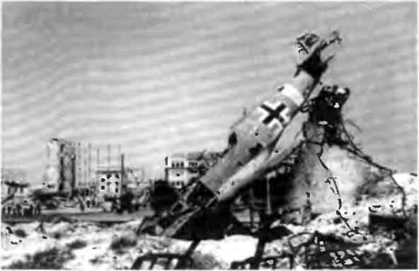 Разбитая немецкая техника в центре Сталинграда