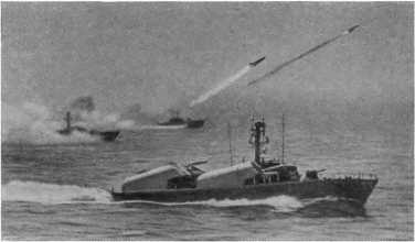 На морских ракетных стрельбах советские ракетчики добились выдающихся успехов.