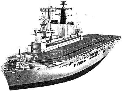 Английский авианесущий крейсер «Инвинсибл».