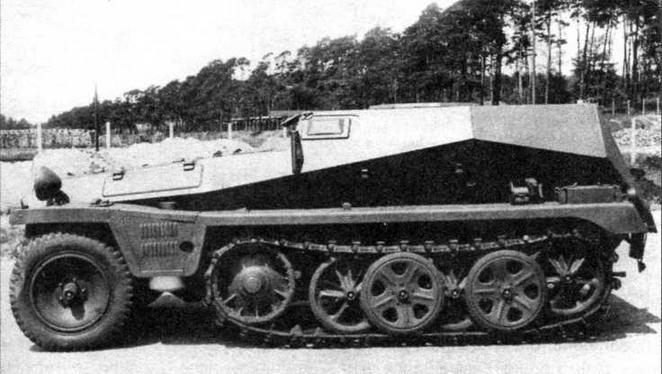 Машина командиров взводов и батарей штурмовой артиллерии Sd.Kfz.253