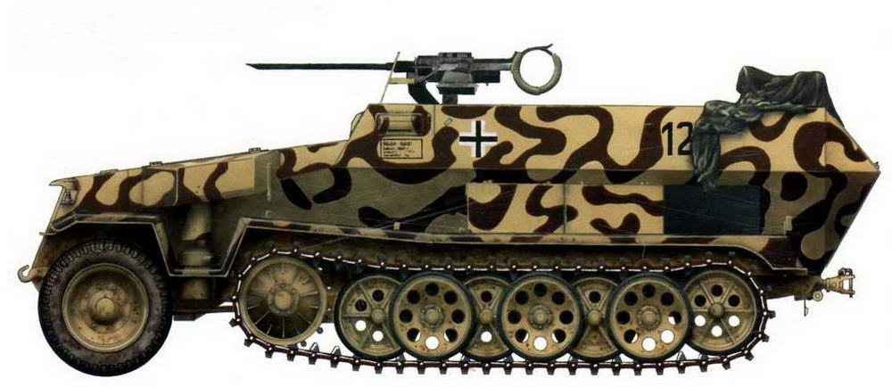 Средний бронетранспортер Sd.Kfz. 251/1, вооруженный 20-мм авиационной пушкой MG151. Кенигсберг, 1945 г.