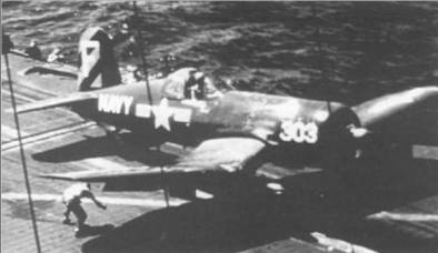 F4U-4B, бортовой номер 303, из VF-43, нес три диагональных полосы цвета Medium Blue на руле направления. Эти необычные обозначения использовались эскадрильей во время средиземноморского похода на борту авианосца «Корал Си» в 1952 году.
