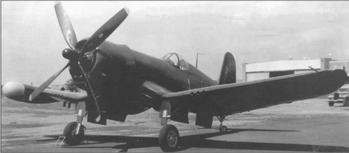 F4U-4N (BuNo 97361), сфотографированный на заводском аэродроме Воут 29 августа 1946 года, был оснащен радаром AN/APS-6 с антенной в большом обтекателе под правым крылом. Этот самолет должен был использоваться в качестве ночного истребителя.