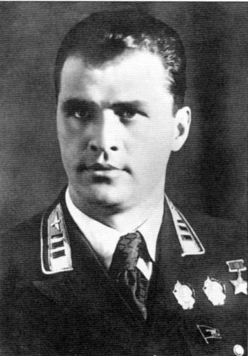 Степан Супрун — знаменитый летчик-испытатель, друг А.Покрышкина предвоенных лет