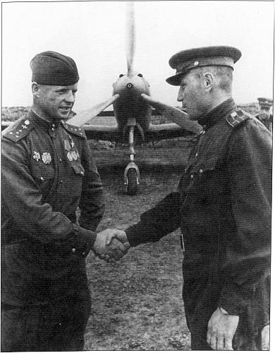 Два друга, два Александра — Покрышкин и Клубов. 1944г.
