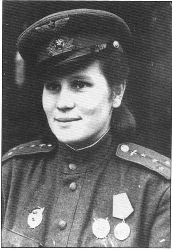 Летчица и комсомольский вожак Ирина Дрягина
