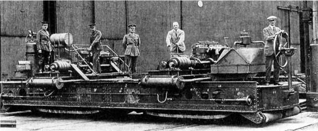 Испытание вездеходного шасси, построенного по проекту Э.Б. Кромптона, с гусеничным ходом типа «Педрэйл», 1915г.