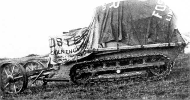 Опытная машина «№1 Линкольн» на испытаниях, сентябрь 1915г. Обратим внимание на блокированную подвеску гусеничной ходовой части и колесный хвост базового шасси «Буллок».