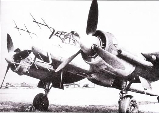 Ни самолете Ju-88G-7 стояли двигатели JUMO-213 с жидкостным охлаждением, выхлопные патрубки снабжены пламегасителями.