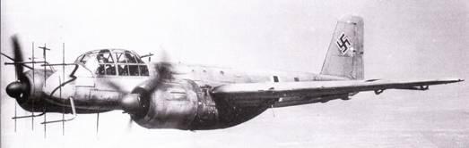 В конце войны самолеты Ju-88 сыграли огромную роль в качестве ночных истребителей-перехватчиков. На снимке – Ju-88G-6, оснащенный РЛС SN-2.