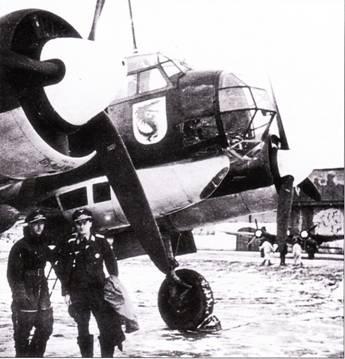 Лейтенант Дитер Лукеш (справа) все войну летал на Ju-88, дослужившись до гауптмана. Снимок сделан в конце войны. Лейтенант Лукеш бомбил Крудзяй 22 июля 1941 г.