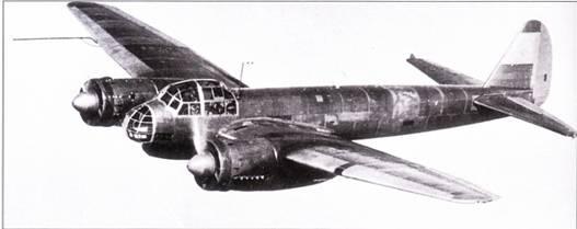 Четвертый прототип, V4, стал первым Ju-88 с характерным остеклением носовой части фюзеляжа – в виде «глаза жука». Экипаж самолета состоял из четырех человек, конструкция планера была рассчитана на выполнение бомбометания с пикирования. Первый полет Ju-88V-4 выполнил 2 февраля 1938 г.