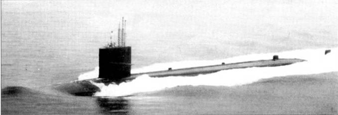 «Гленард П. Липскомб» проектировался как экспериментальная субмарина для испытания турбоэлектрической передачи фирмы Дженерал Электрик и нового реактора пониженной шумности, разработанного для перспективных атомоходов типа «Лос Анжелос». Турбозлектрическая передача оказалась слишком большой и слишком тяжелой для небольших ударных атомных подводных лодок.