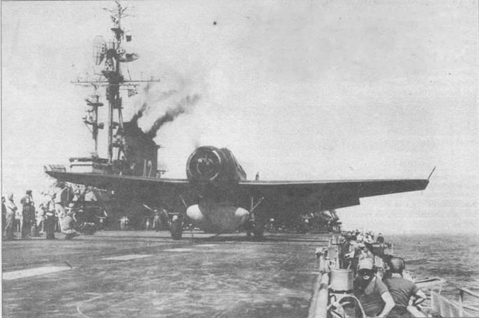 TBM-3 W из эскадрильи VA-4B авианосца USS Franklin D.Roosevelt (CVA-42) установленный на катапульте — только секунды отделяют его от старта. TMB-3W обычно находился на некотором расстоянии от авианосца в постоянных радарных патрулях или в связке с ударным самолетом TBM-3S выполнял поиск подводных лодок впереди авианосца.