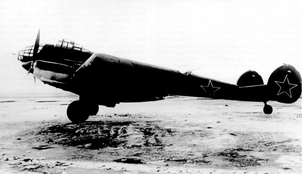 Самолет Ер-2 2МБ-100