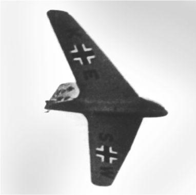 Ме 163A V4 в полете. В начале августа 1941 года самолет еще не был оснащен ракетным двигателем.