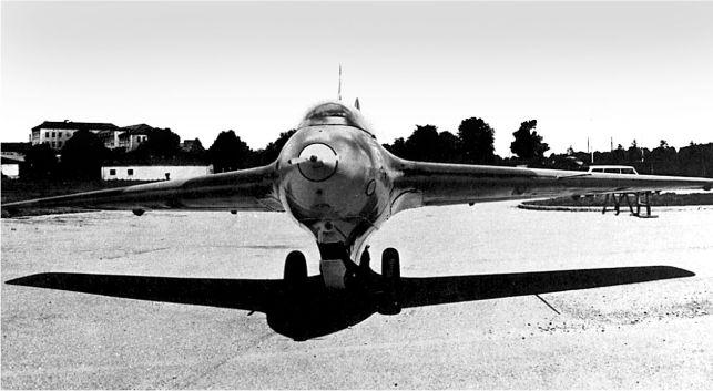 Единственный оставшийся в Германии Me 163. На снимке машина после ее восстановления в Немецком музее в Мюнхене.