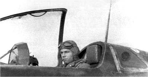 Лейтенант Хартмут Рилл, в кабине своего Me 163. Рилл был первым из пилотов JG 400, убитым в бою.
